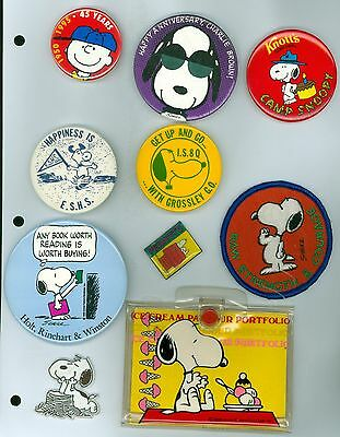 8 Vintage 1970s-90s Peanuts Comics Pinback Buttons & 1 Note Pad w/Case - Snoopy