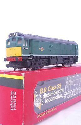 HORNBY R072 OO - BR GREEN CLASS 25 DIESEL No.D7596 - WITH ILLUMINATED HEADCODES