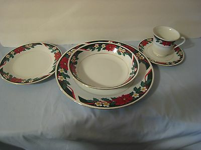 """Tienshan Fine China Dishes 5 Pc Place Setting """"deck The Halls"""" Vgc"""