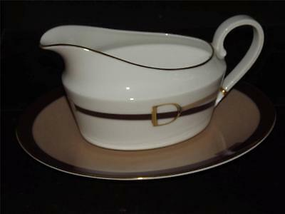 Wedgwood Bone China Equestria GRAVY BOAT & STAND New 1st Quality
