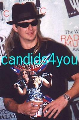 #s209 Kid Rock Hot Candid Photo