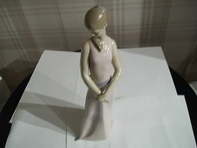 LLADRO  Figurine Lady of the rose