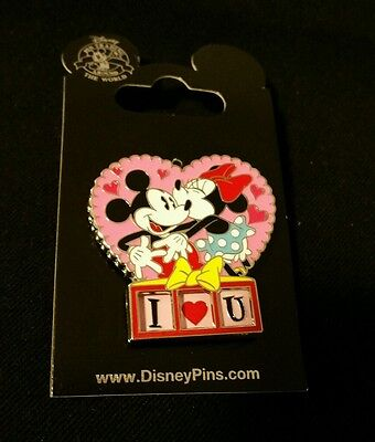 Disney New on Card Pin Mickey Minnie Mouse Valentines Day I Love You U Me Heart
