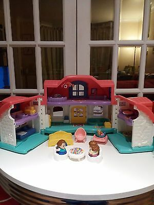 Fisher price/ Little People doll House with sounds