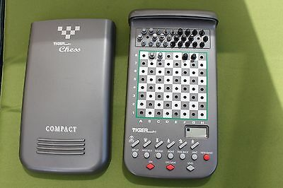 Rare Tiger Chess Compact 11-009 Electronic Computer from 1997 TRAVEL!