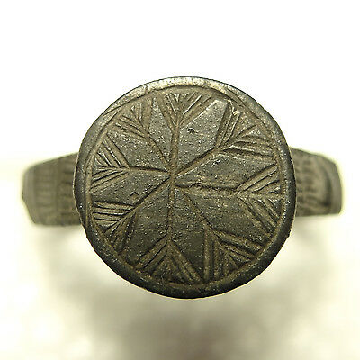 Nice Old 1600s Ring With Snowflake Design-Detecting Find
