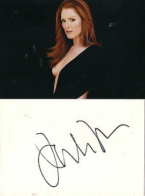 Julianne Moore  signed autograph mounted in a glass frame   + photo !