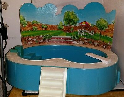 Vintage Sindy Flood Lit Bubble Bath Swimming Pool in Box Working