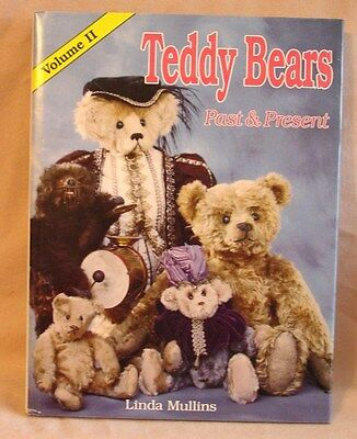 Book - Teddy Bears Past and Present Volume 2 by Linda Mullins