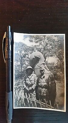 Original Wwii Japanese Photo: Army Soldiers, Pith Cap, South China!!