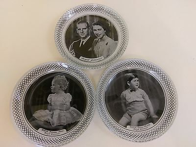 CHANCE GLASS ~MARCUS ADAMS PORTRAITS - QUEEN ELIZABETH & FAMILY~ pin dishes x 3