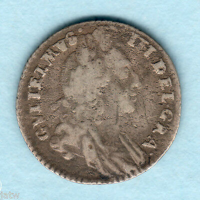 Great Britain. 1696 William 111 -  Sixpence..  1st Bust..   Fine