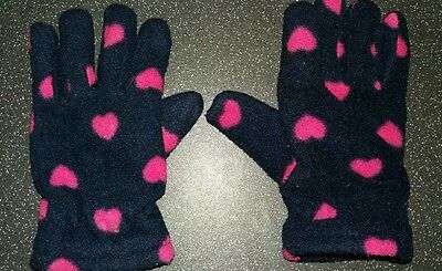 Girls navy blue with pink hearts Joules lined fleece gloves. Age 3-6.
