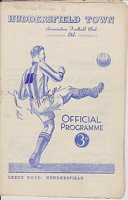 HUDDERSFIELD TOWN v DONCASTER ROVERS 52-53 LEAGUE MATCH AUTOGRAPHED BY METCALFE