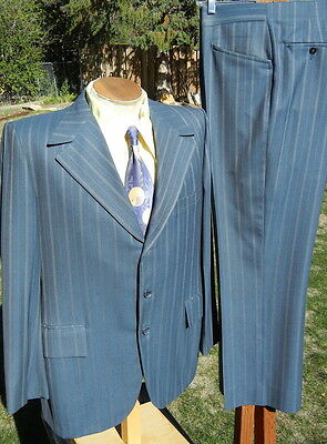 BOLD STRIPED Vintage 1960s-70s 3 button Suit 44R 38x29 - Alterable Wool