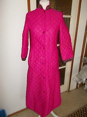 Vintage Quilted Dressing Gown/housecoat Size - Medium
