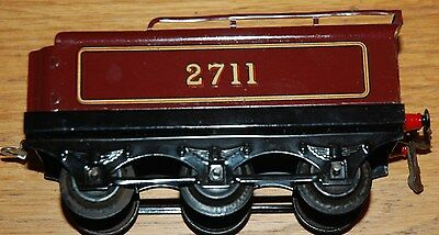 HORNBY SERIES O GAUGE No 2 TENDER IN LMS RED LIVERY 2711