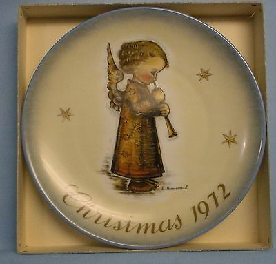 Schmid Bros. Collector Plate Series . Hummel . 1972 . 2nd . Angel w/ Flute
