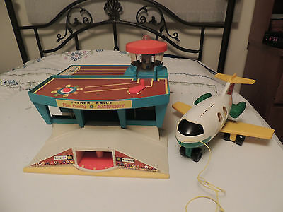 Vintage Fisher Price Play Family Airport 996 & Airplane Nice Condition