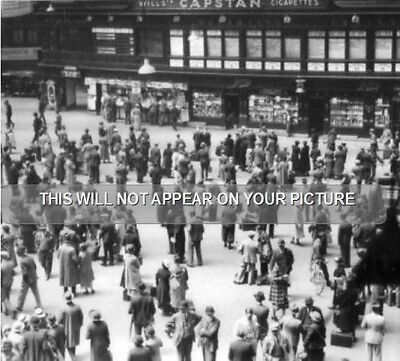 Glasgow Central railway station concourse 1937 view
