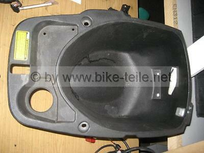 Daelim Otello 125 Helmet Holder S2