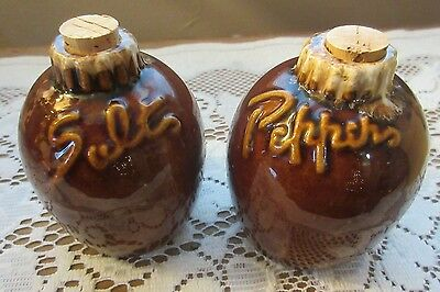 Vintage Hull Oven Proof USA Brown Drip Corked Salt & Pepper Shakers EXCELLENT