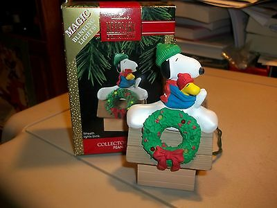 1992 Hallmark Peanuts Snoopy lighted, 2nd in series, in box