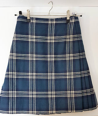 """Ex Hire 44"""" waist 25"""" drop Earl Of St Andrews  8 Yard Wool Kilt A1 Condition"""