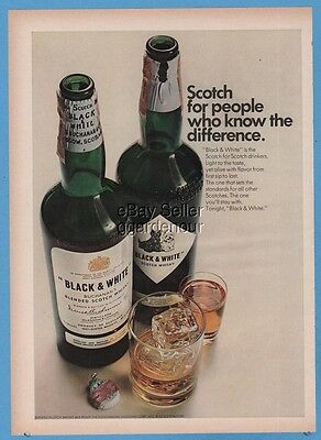 1967 Black & White Scotch whisky For people who know the difference print ad