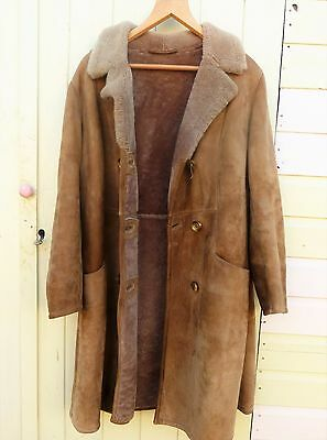 womans sheepskin winter coat / vintage 1970s / Great condition /size 12-14uk