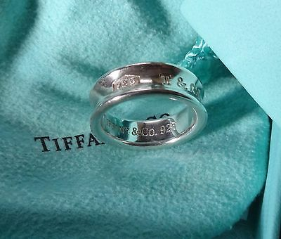 Lovely TIFFANY & CO. Sterling Silver Ring 925 Concave 1997 5 grams Size 7.25