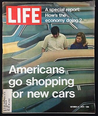 LIFE Magazine October 8 1971 Americans Go Shopping For New Cars Great 1970's Ads