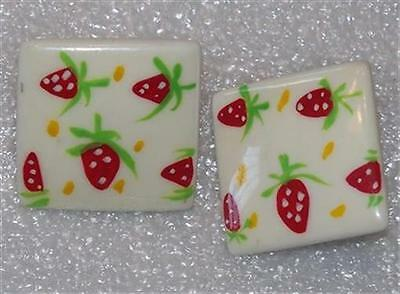 Vintage Square Plastic Strawberry Pierced Earrings E661