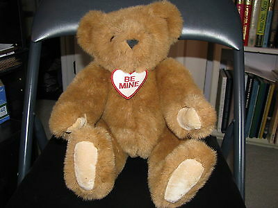 Light Brown 16 inch jointed Vermont Teddy Bear Co bear with suede paws EUC! CUTE