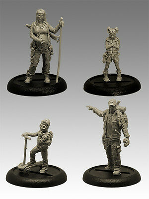 """GIMME SHELTER"" POST APOCALYPTIC FAMILY 35mm Scale RESIN Black Sun Miniatures"