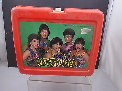 x   MENUDO  - LUNCH BOX  and thermos vintage PLASTIC