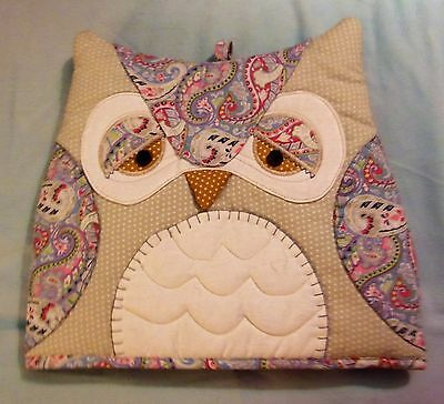 Lovely Vintage/Retro 'Shabby Chic' Patterned Owl Tea Cosy - Excellent Condition!