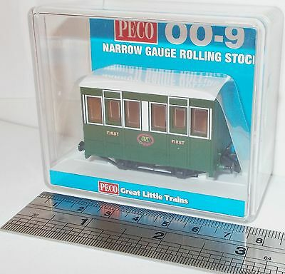 Peco GR-505 - Tallylyn Railway (GVT) 4-Wheel Coach with Buffers      New   (009)