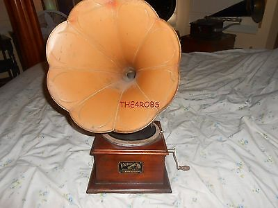 Antique Victor Victrola O Phonograph With Horn