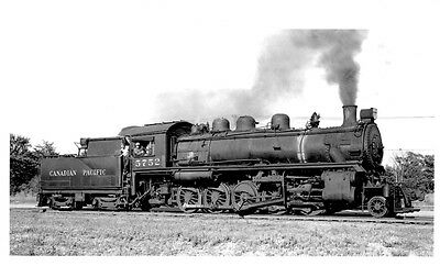 LL649 RP 1956/90s? CP CANADIAN PACIFIC RAILROAD ENGINE #5752 ST LUC MONTREAL PQ