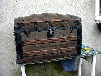 Vintage  NICE CAMEL BACK DOME TOP OAK STRAP WOOD VICTORIAN TRUNK