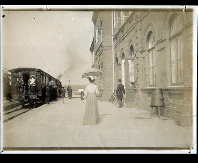 CZESTOCHOWA (POLOGNE) TRAIN en GARE animée photo amateur début 1900