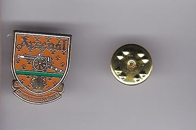 Arsenal   - lapel badge No.2 butterfly fitting