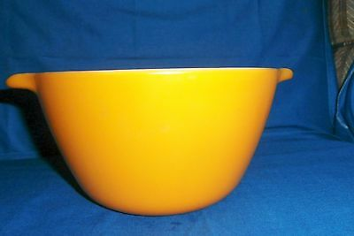 Vintage Anchor Hocking Fire King Ware Burnt Orange, Rust 2 Spout Mixing Bowl