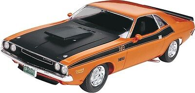 1970 Dodge Challenger 2n1 1/24 scale skill 2 Revell plastic model kit#2596