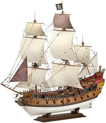 Pirate Ship 16-18th Century LARGE 1/72 scale skill 5 Revell model kit#5605
