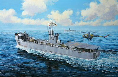German LSM Eidechse-Klasse Landing Ship 1/144 scale skill 4 Revell kit#5139