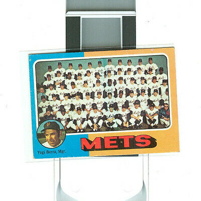 1975 Topps #421 New York Mets Unmarked Team Card