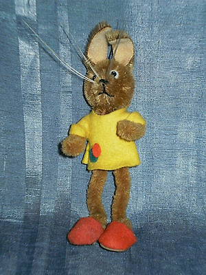 """Vintage Schuco Mascot Bunny Red Shoes 4.3"""" Complete Condition"""