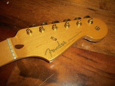 Fender Stratocaster Strat Classic '50s RI Maple Tint Neck Gold Tuners Chunky V